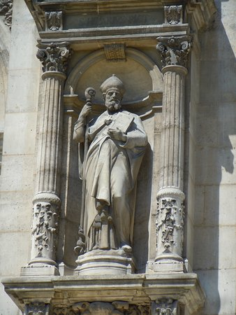 Statue de Saint-Hilaire de Poitiers