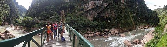 Aguaytia, Peru: Con mis amigos en el exterior del velo de la novia