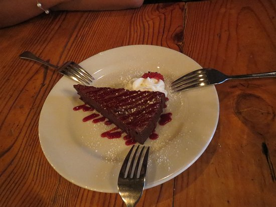 Boar's Head Grill & Tavern: Flourless Chocolate Torte