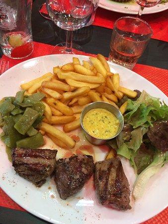 Cozes, Francja: Canard avec la sauce du chef ( secret bien sur ;) )