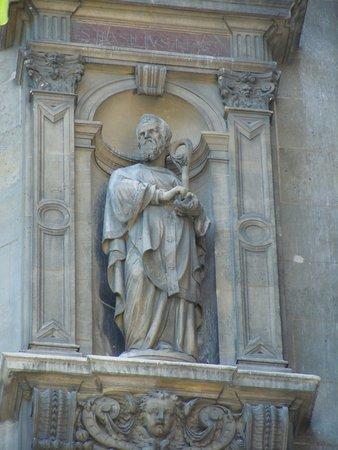 La statue de Saint-Basile Le Grand