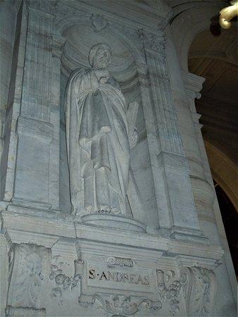 La statue de Saint-Andre