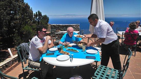 Agulo, สเปน: Čisto, pohoda, ochotná obsluha a skvělé jídlo i pití