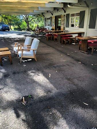 Doonan, Australia: outdoor dining