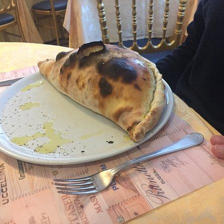 Cittiglio, İtalya: Calzone