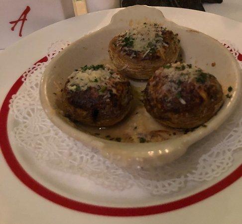 Arnaud's Restaurant / French 75 Bar: Stuffed mushrooms