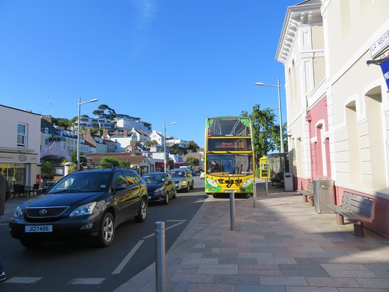 LibertyBus: The frequent route 15 that links the airport with St Helier.