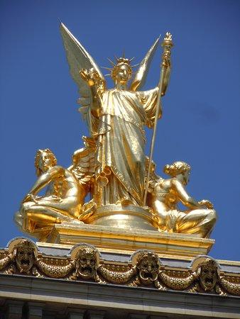 Statue La Poesie