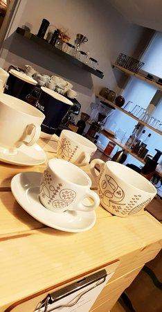 CieKawa: Niezwykle urocza kawiarenka z dala od centrum wśród uroczych uliczek Poznania
