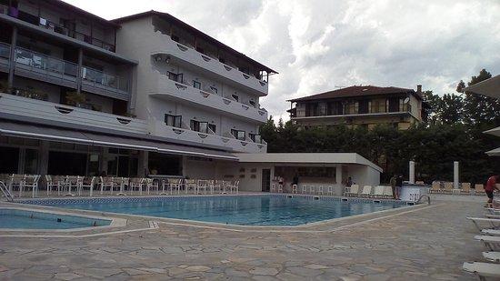 San Panteleimon: basen