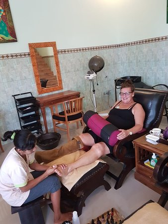 Two Angel Lembongan Spa: Foot and Reflexology massage good for sirkulation the blood