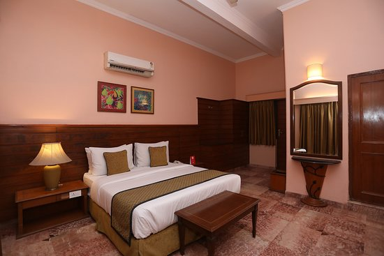 OYO 10953 Dayal Lodge A Boutique Hotel