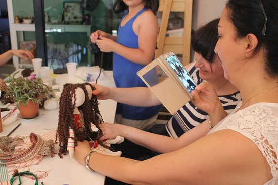In Art Studio: Doll making workshop