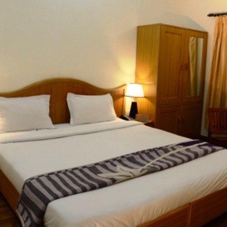 OYO 38072 Hotel Three Roses: Hotels new photos