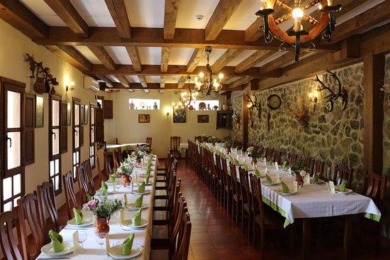 Comedor Restaurante - Picture of Restaurante Las Palomas, Jerte ...