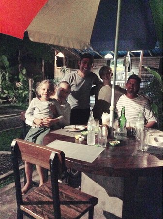 Anturan, Indonesien: A beautiful family...we will look forward to see you all again!!