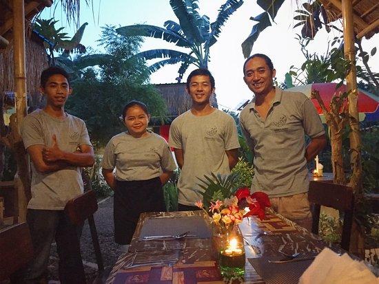 Anturan, Indonesië: Our Team...(from left to right) Ketut, Putu, Komang & Putu Jaring!!