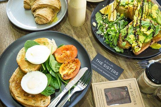 Le Sorelle Coffee House: Amazing breakfast