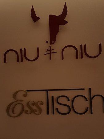 Neu-Isenburg, เยอรมนี: Relaxtes Restaurant zum Park hin