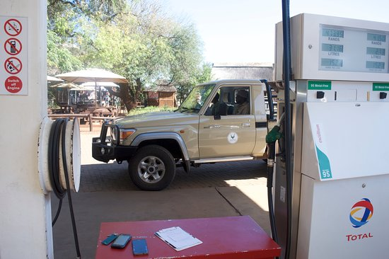 Crocodile Bridge Rest Camp: benzina.