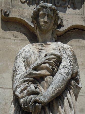 Statue Le Drame: Détail de la sculpture