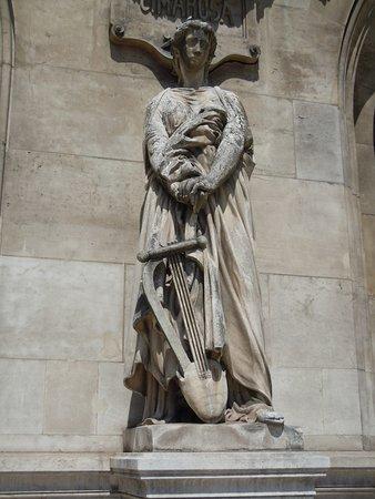 Statue Le Drame