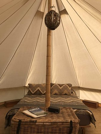 french island glamping 0. Black Bedroom Furniture Sets. Home Design Ideas