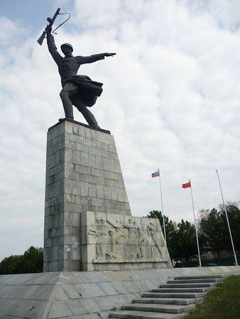 Peremilovo, Ρωσία: Памятник
