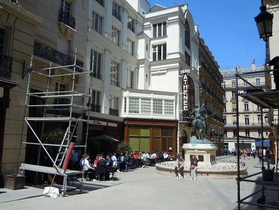 Square de l'Opéra Louis-Jouvet