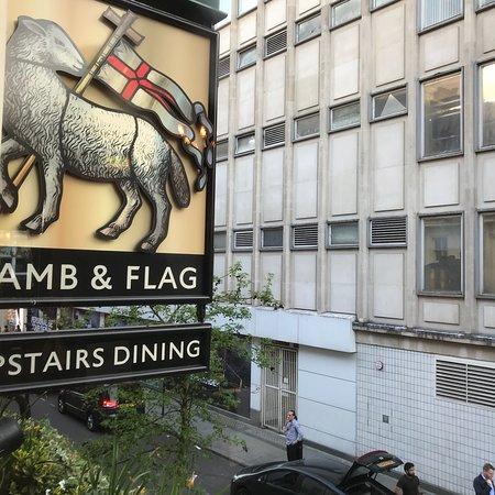 Lamb & Flag Φωτογραφία