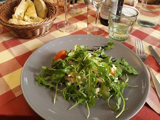 Borgo Cornalese, Włochy: Insalata di pollo gassata al miele