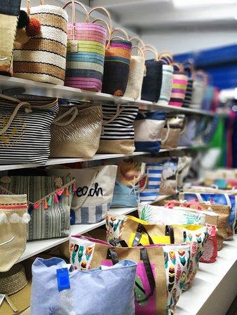 Síviri, Grecia: Choose your summer bag