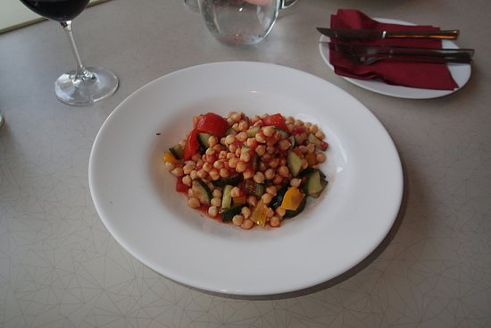 Restaurant Jedna Basen: Vegetarian salad - I like simple things dealing with complex situations