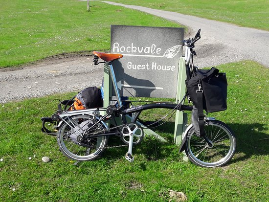 Rockvale Guest House: just a fab place to stay where me and my bike felt very well looked after.
