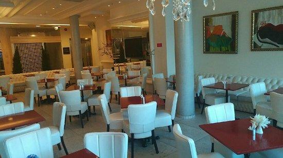 Park Inn by Radisson Meriton Conference & Spa Hotel Tallinn: Another dining area