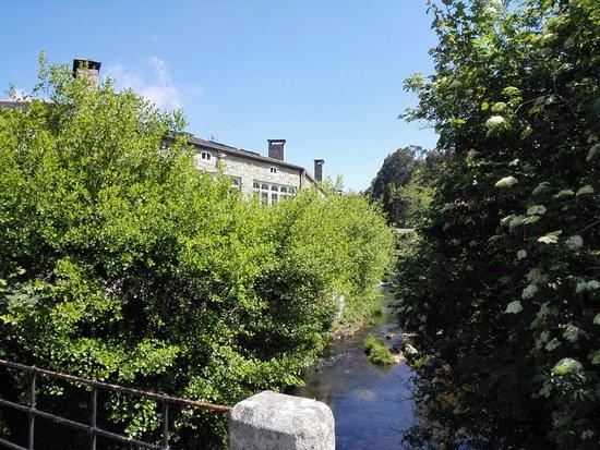Cervo, Spania: O'Almacen
