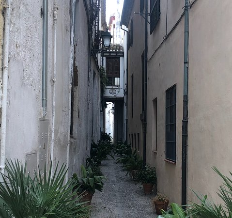 Albaicín Streets - Picture of Miriam Tourist Guide, Granada