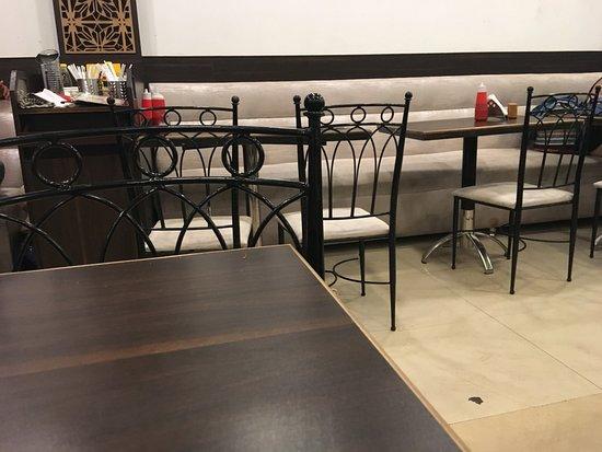Dabolim, الهند: seating arrangements