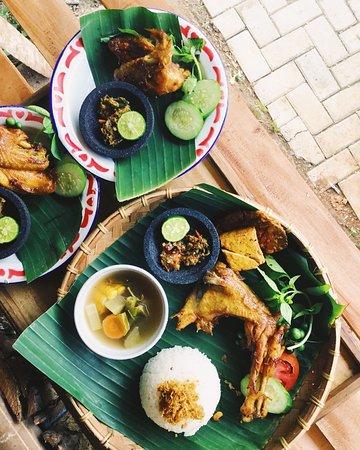 Si Kandang Kebo: Nasi Ayam Kandang Kebo
