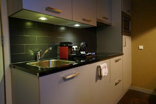 Golden Mansion Apartments Amsterdam: ห้องครัวค่ะ