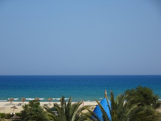 Concorde Hotel Marco Polo: La mer d'un bleu azur !