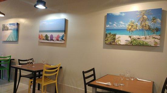 Marks Caribbean Kitchen: Great decor