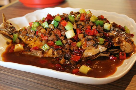 Hunan Kitchen Chinese Cuisine: Sauteed Golden Pomfret