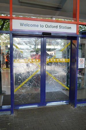 Royal Oxford Hotel: A Common Repeated Sight at Oxford Stations entrance after Alcholic Violence.