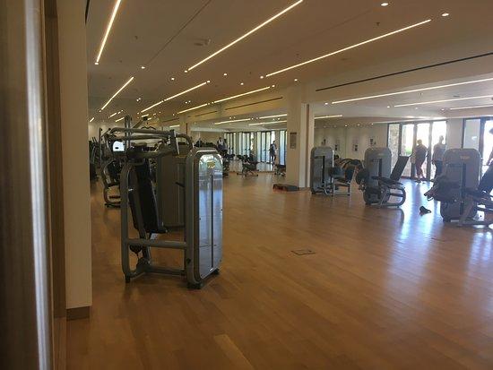 Atlantica Imperial Resort & Spa: Gym in Residence Building opposite