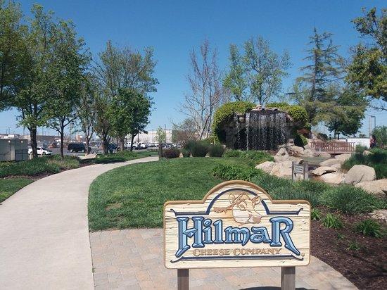 Хилмар, Калифорния: 20180402_134047_large.jpg