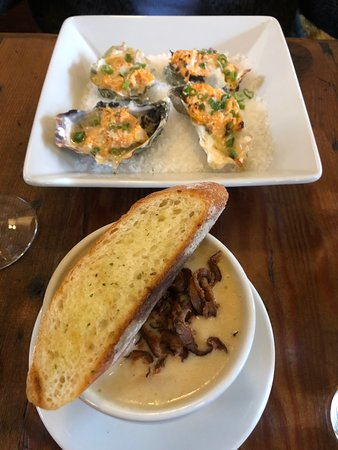 Rock and Rye Oyster House: Rock and Rye: broiled oysters and oyster stew