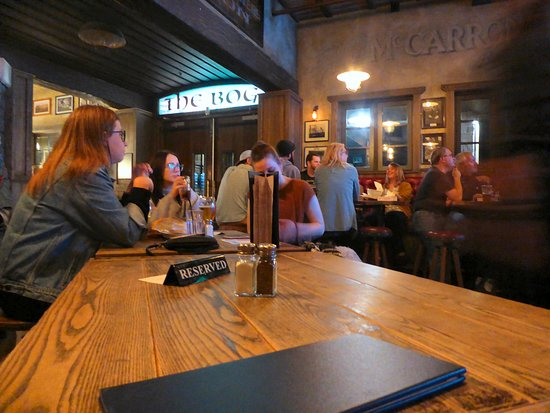The Bog Irish Bar & Restaurant: Best to reserve tables at The Bog Irish Bar on busy nights