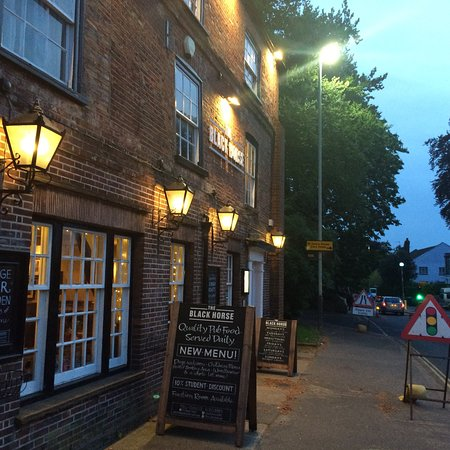 The Black Horse: Warm atmosphere and friendly staff