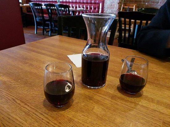 Georgia House: Half Liter of Wine